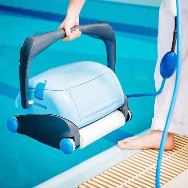 Razones para comprar un robot limpiafondos de piscina
